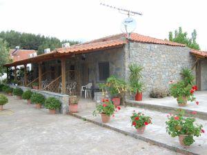 vila-flower-bungalovi-toroni